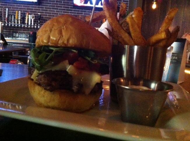 Royale 11.00 angus burger, pork belly, brie, arugula & tomato jam [GF]