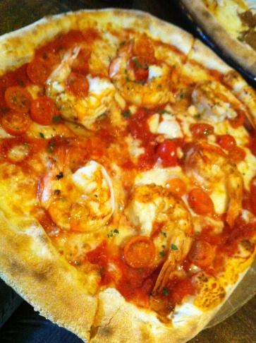 King Gamberi butterfly king prawns, rocket, cherry tomato, garlic, basil, lemon zest, mozzarella ............ 27